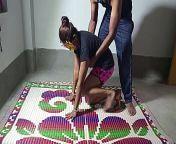 योगा ट्रेनर ने एक्सरसाइज सिखाने के बहाने जबरदस्ती चुदाई किया from दर्जी दुकान