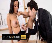 Brazzers - Big Tit office slut Luna Star gets all she wants from star palls